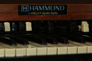 HAMMOND UNIVERSAL B3_5