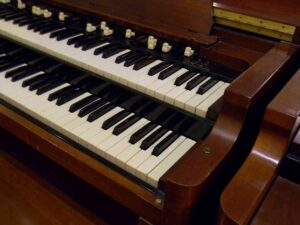 ---Hammond B2-1