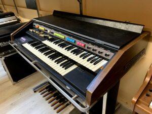 Hammond B200 + Leslie 715_5