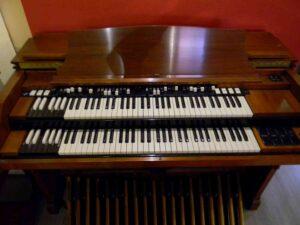 ---Hammond D152-2