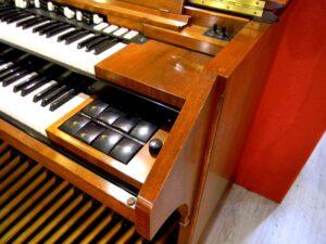 ---Hammond D152-3