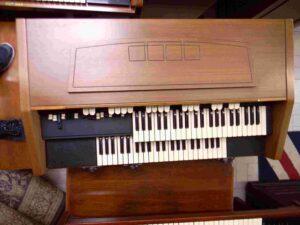 Hammond L-122_S_5