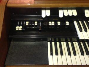 Hammond L122S_3