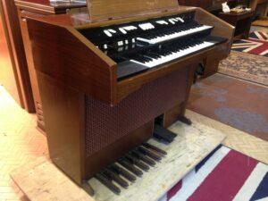 Hammond L122S