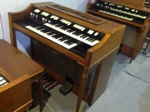 Hammond M-111 in MINT CONDITIONS_2