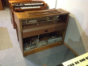 Hammond M-111 in MINT CONDITIONS_3