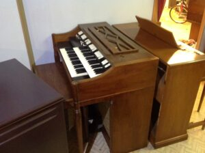 Hammond M-111 made in U.S.A_2