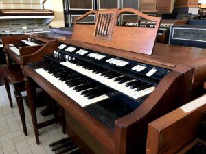 Hammond M-143