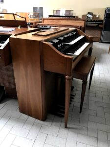Hammond M-143(1)_1