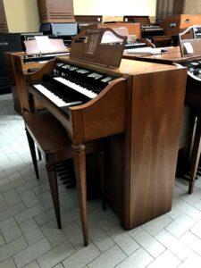Hammond M-143(1)_2