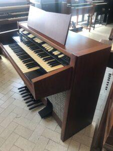 Hammond M102(1)_1
