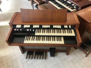 Hammond M102(1)_2
