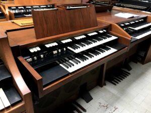 Hammond M102(2)_1