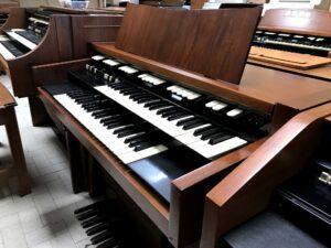 Hammond M102(2)_2