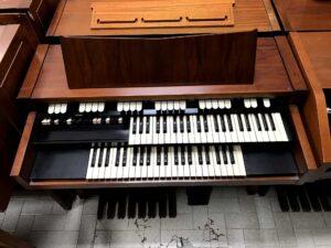 Hammond M102(2)_3