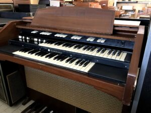 Hammond M162(3)_2