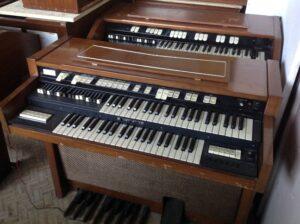 Hammond T-200_2