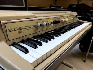 Wurlitzer 207v Teacher + Lavagna_2