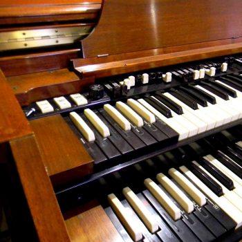 ---Hammond D152-1