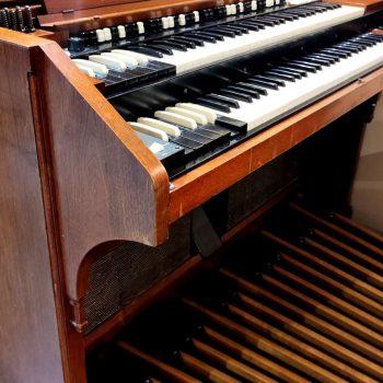 Hammond D152