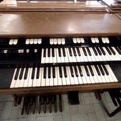 Hammond L122