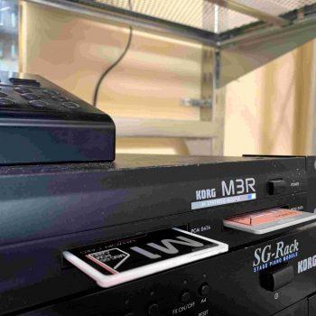 Korg M3R + REMOTE RE100_5