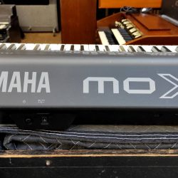 YAMAHA MOTIF MOX8_9