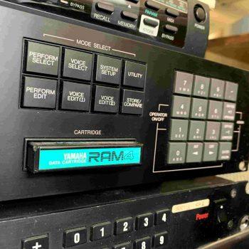 Yamaha TX802 Rack_3